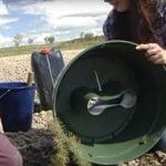 Plantando en los desiertos con Groasis Waterboxx
