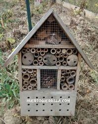hotel de insectos elementos del huerto